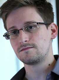 Edward Snowden, ex contratista de la Agencia de Seguridad Nacional estadunidense, retratado el 9 de junio pasado en Hong Kong. Foto Ap