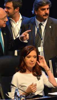 La presidenta de Argentina, Cristina Fernández, en el inicio de la Cumbre de la Celac, ayer en La Habana. Foto Ap