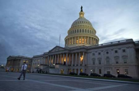 El Capitolio, sede del Congreso estadunidense, en imagen de octubre pasado. En noviembre próximo toda la Cámara de Representantes y parte del Senado serán renovados. Foto Ap