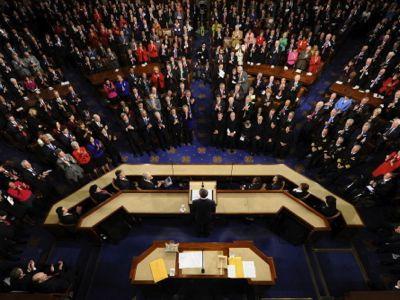 En violación de las resoluciones 1267 y 1373 del Consejo de Seguridad de la ONU, el Congreso de Estados Unidos ha votado financiamiento y armamento para el Frente al-Nusra y el Emirato Islámico en Irak y el Levante, dos organizaciones vinculadas a al-Qaeda y clasificadas como «terroristas» por la propia ONU. Esa decisión del Congreso estadounidense estará vigente hasta el 30 de septiembre de 2014.